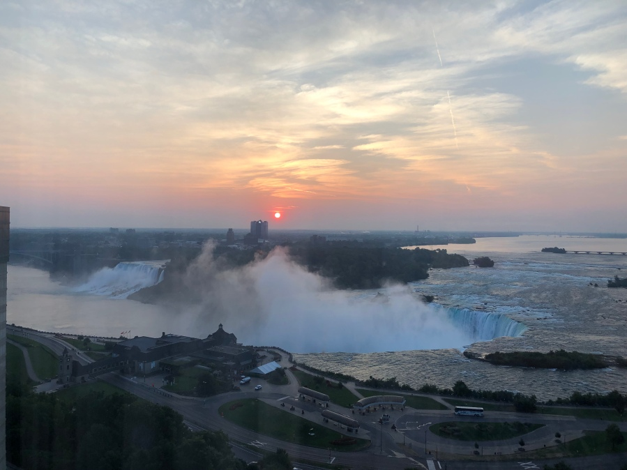 Niagara Falls, Canada - tennistravelsite.com